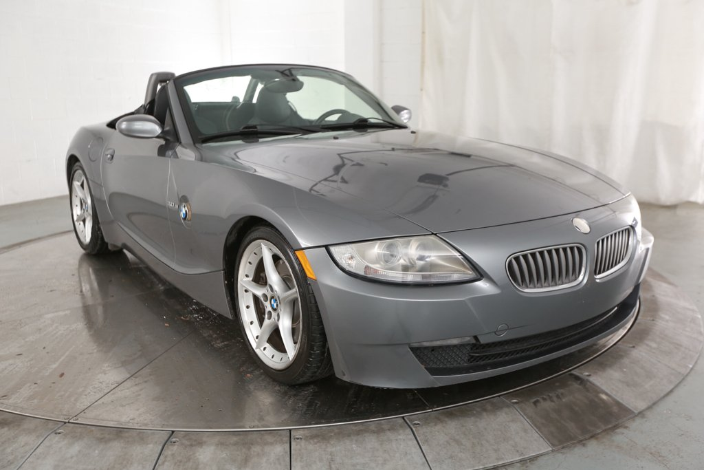 Pre-Owned 2008 BMW Z4 3.0si