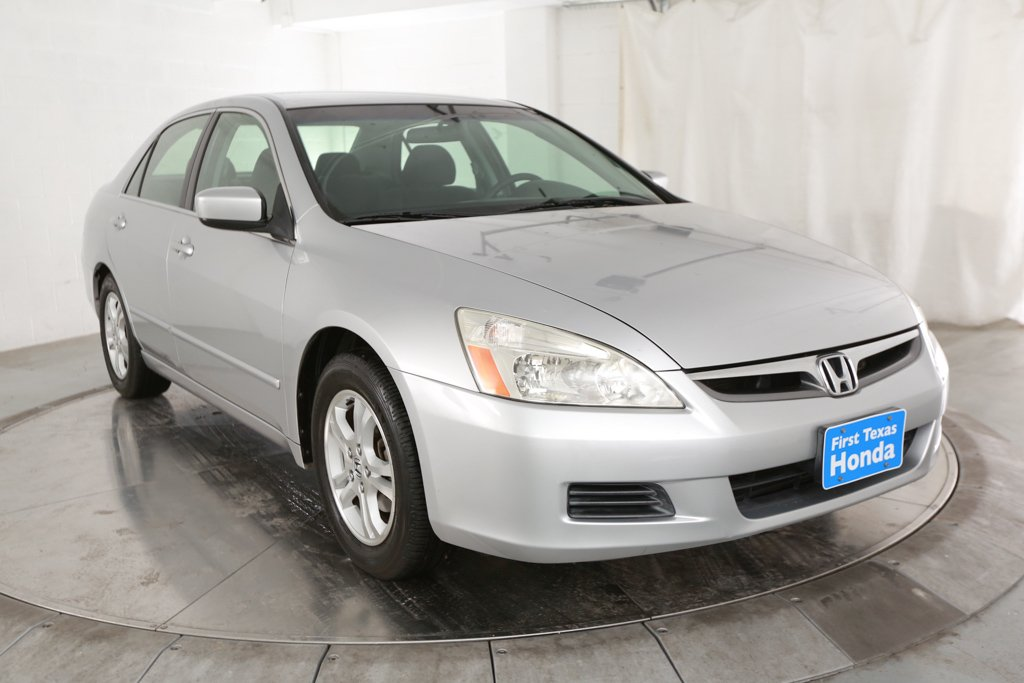 Pre-Owned 2007 Honda Accord SE